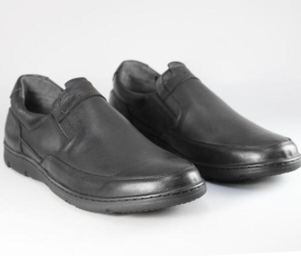Демисезонные мужские туфли Faber 127702/1 черного цвета.